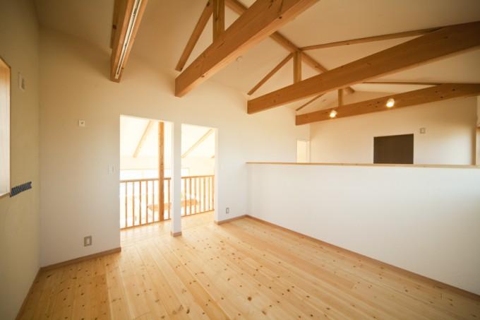 寝室の勾配天井