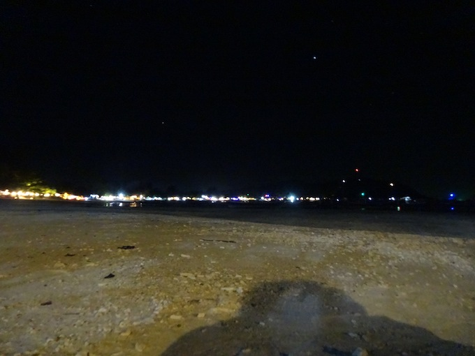 パタヤビーチの夜