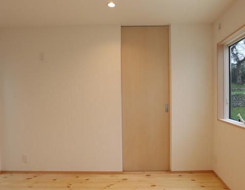 ウォークインクローゼットの扉