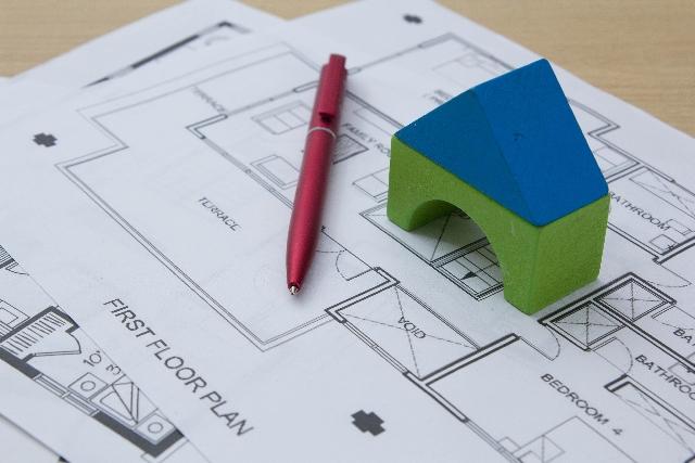 家の図面と模型
