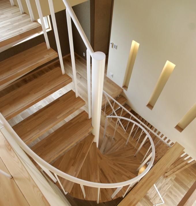 2階リビングと階段