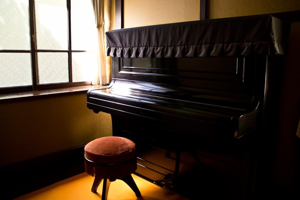 家のピアノ