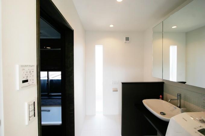 洗面と一体のトイレ