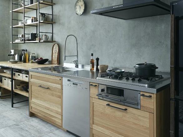 壁付けキッチンと食器棚