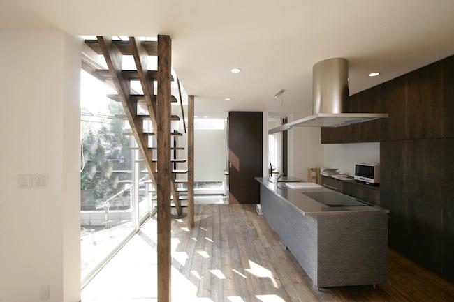 ストリップ階段(木製)