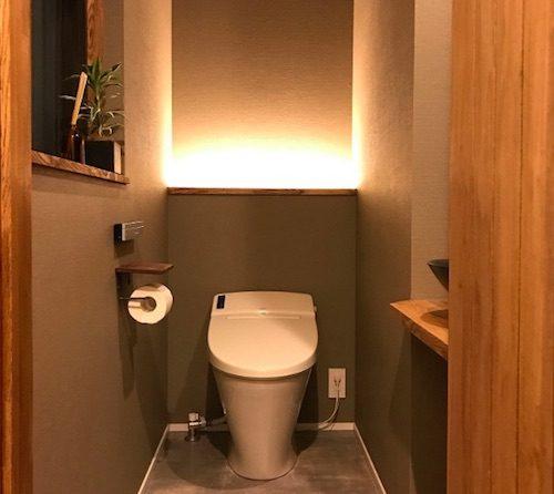 階段下トイレの照明