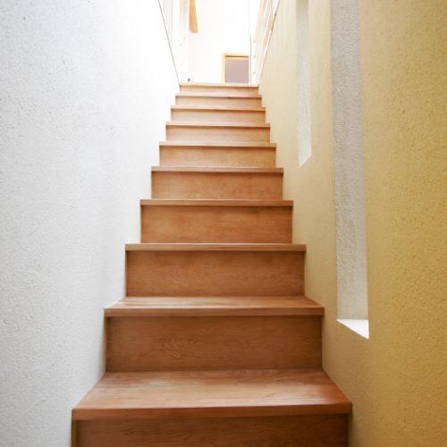 小屋裏収納と固定階段