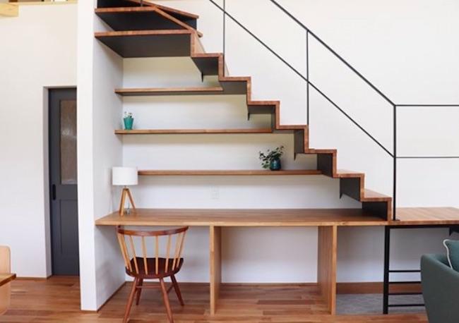 階段下を上手く使ったおしゃれな階段