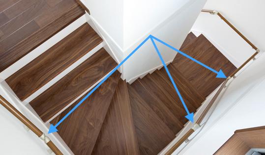 階段はシンプルに