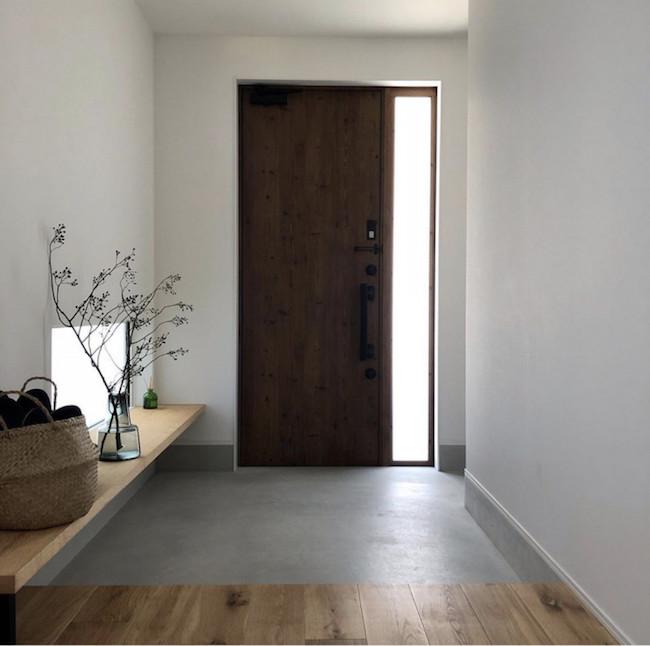 綺麗に見える玄関の窓