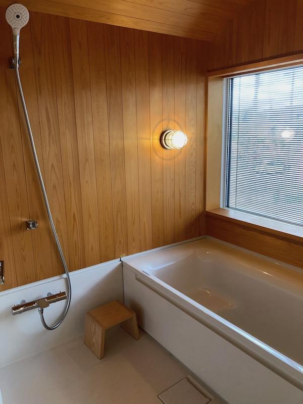 2階のお風呂の窓