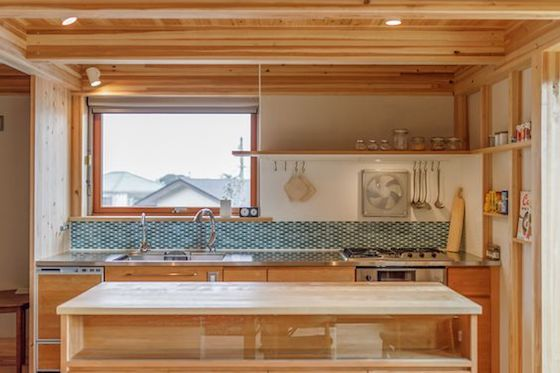 キッチンの窓3
